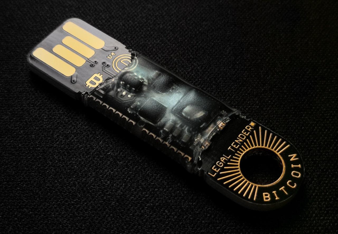 Pen drive USB para guardar bitcoin en frío